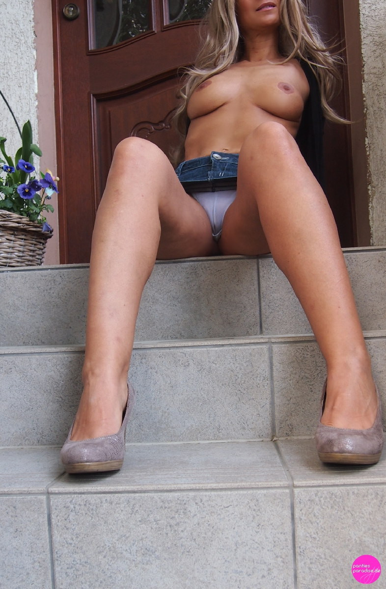 https://www.pantiesparadise.de/images/uimg/DesTeufelsbraut/image553318.jpg